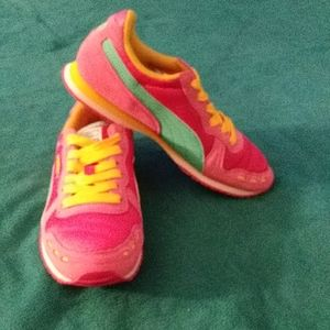 Puma womans sneakers